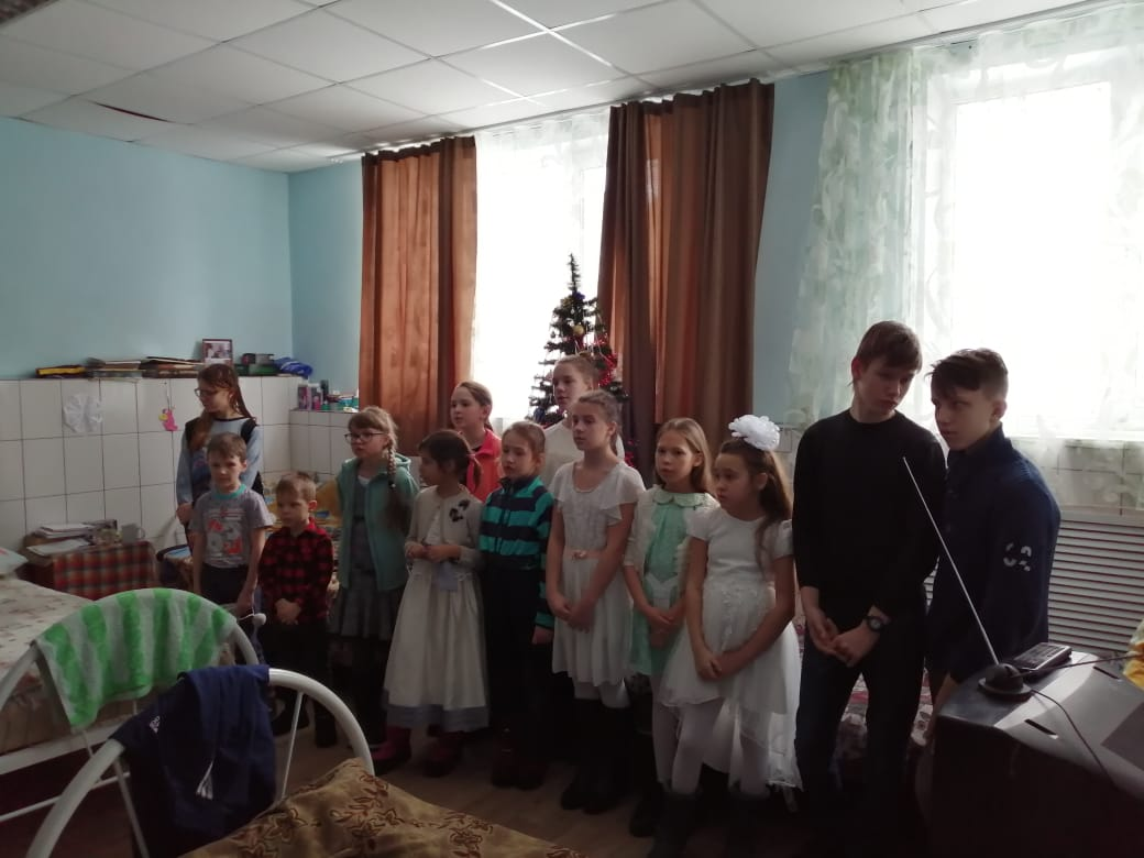Воспитанники воскресной школы святого Олега Брянского посетили Епархиальную социальную гостинцу