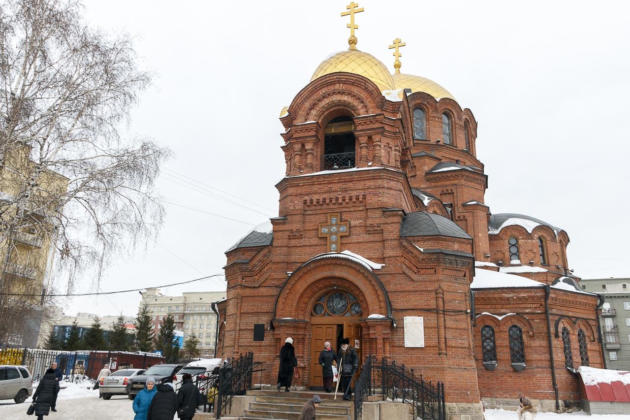 Почти 70 процентов проголосовавших поддержали переименование остановки «Площадь Свердлова» на «Собор Александра Невского»