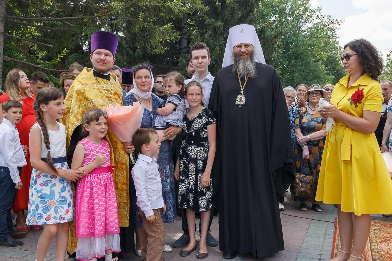 В Новосибирске наградили многодетные семьи