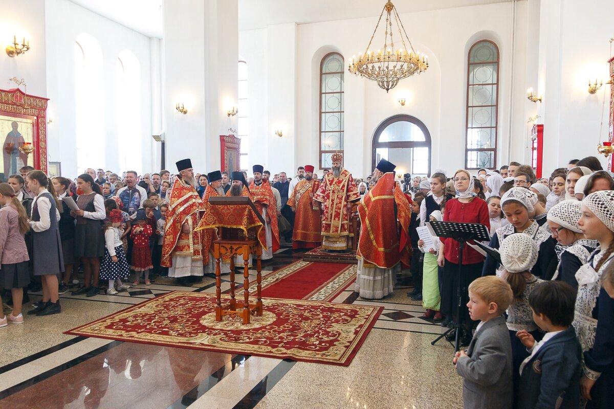 В Троице-Владимирском соборе состоялась детская Божественная литургия
